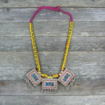 COLLAR ÉTNICO TRIBAL